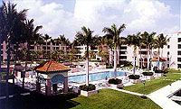 Mizner Court Lake Boca Courtyard View