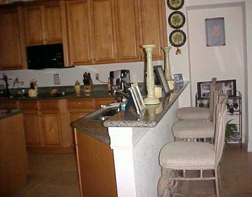 Mediterrania Boca Raton, Gourmet Kitchen with convenient Breakfast bar, 512 x 400