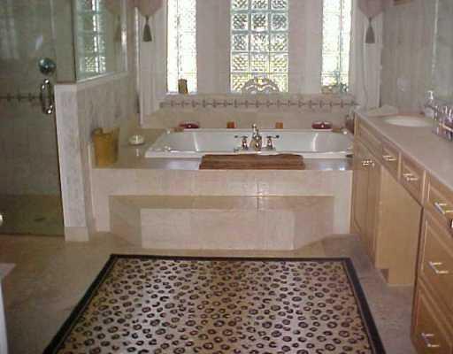 Mediterrania Luxury Homes for sale, Elegant Master Bathroom, 512 x 400