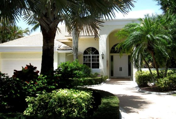 Broken Sound Tanglewood Homes for Sale, 4 Bedrooms, spacious pool and deck on 1/3 acre lot