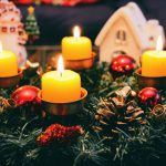 Tips on How to Sell Your Home During the Holidays - Simple Decorations, Keep it Clean and Get help to make it easier